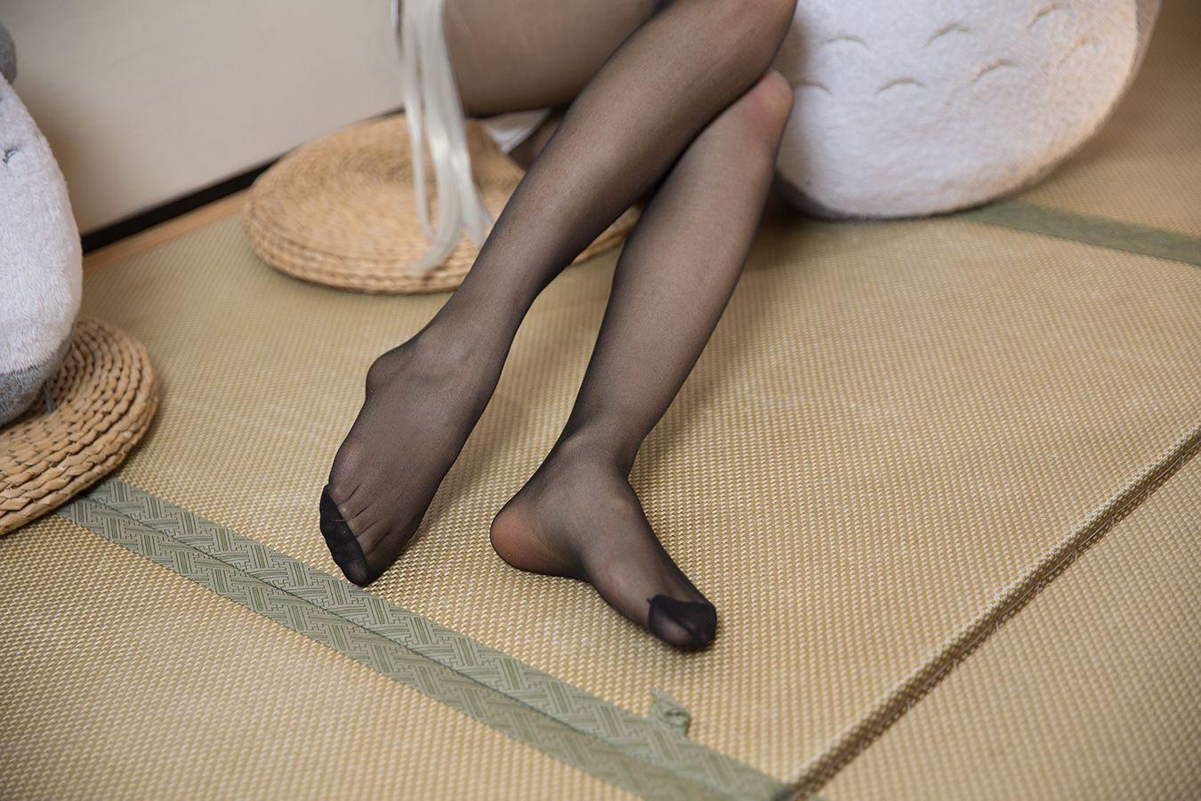 4MIZ-067大胸瓜子脸美少妇露内裤美腿