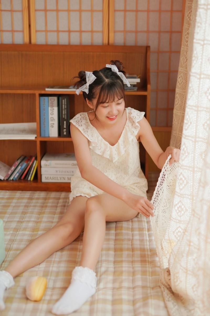 KANZ-176日本短发长腿美女居家写真