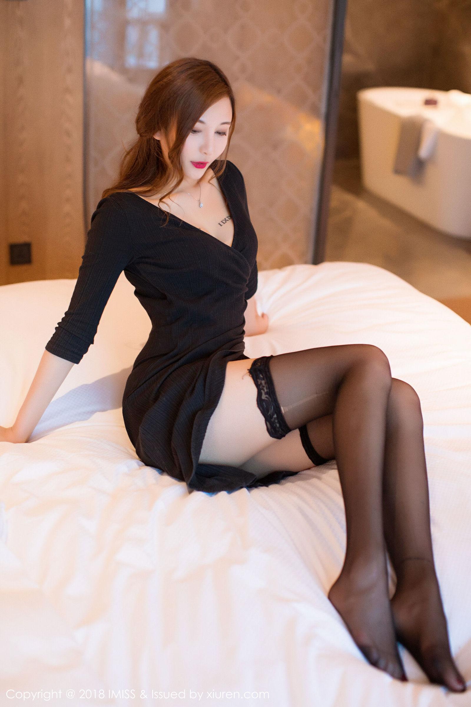 ATFB-406长发略带清纯美女高清写真
