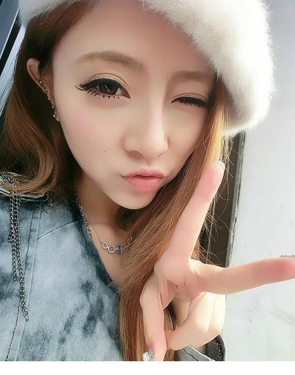 4MDY-985夜色迷人韩国性感美女照
