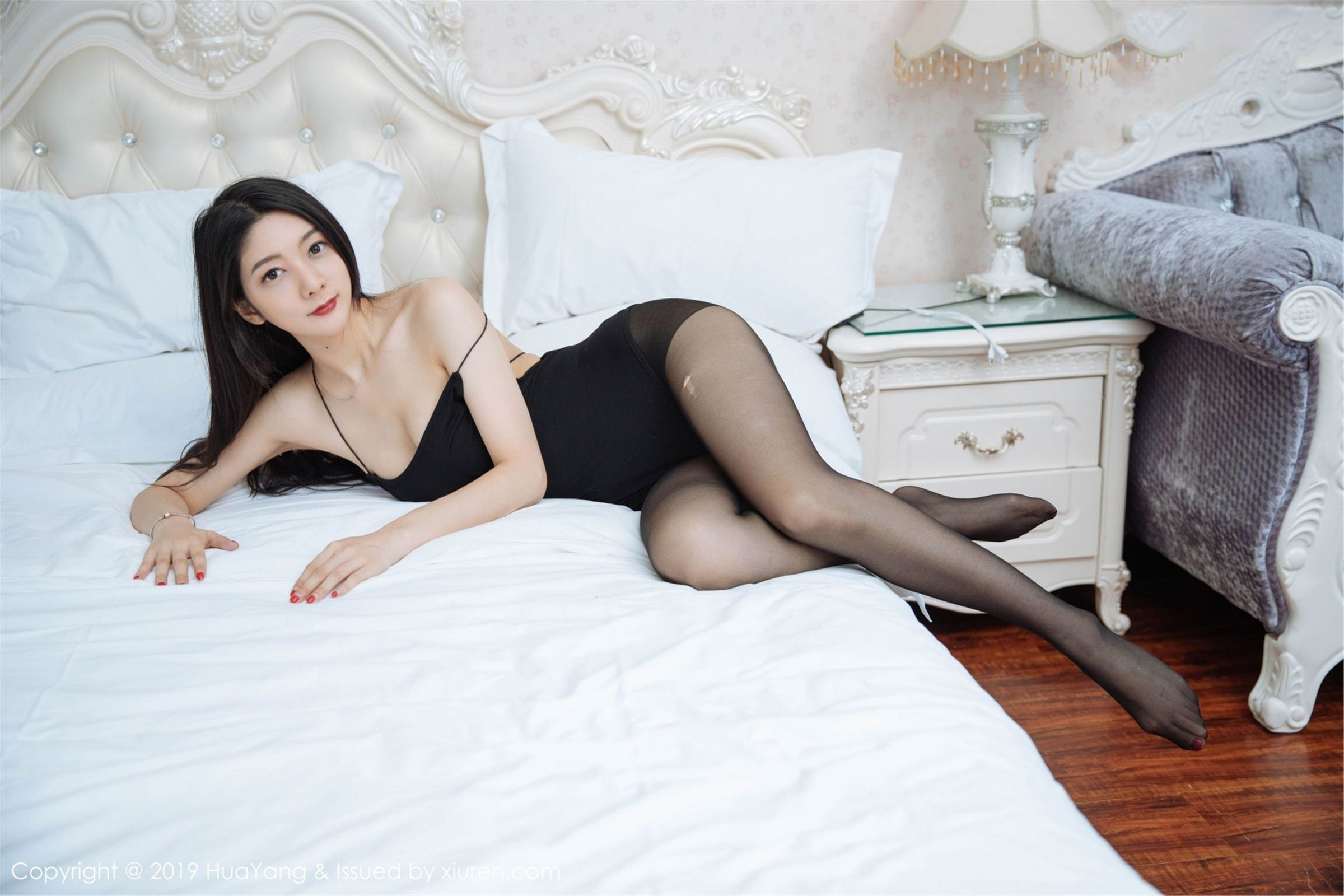 MVSD-276绝美纯白香肩性感美女 床榻的诱惑