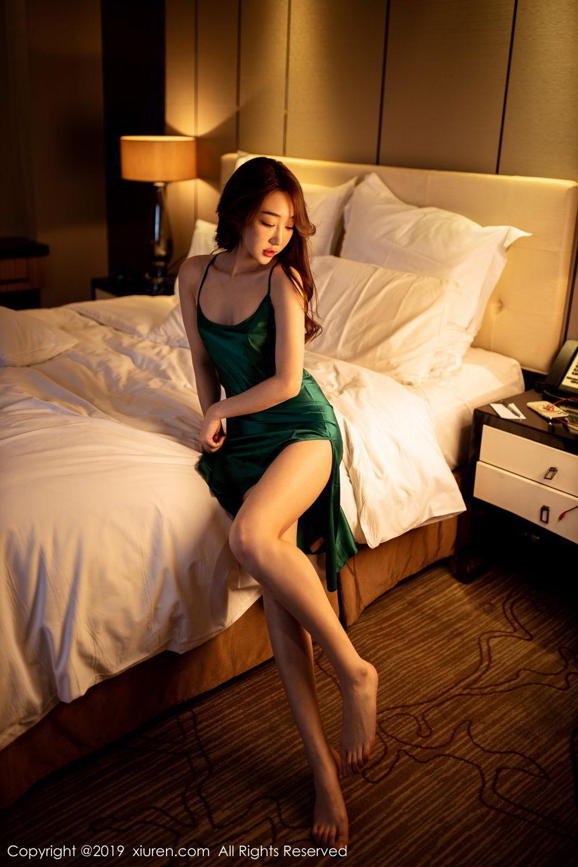 GKZBES-001惹火性感美女照片 乳神潘春春写真图片