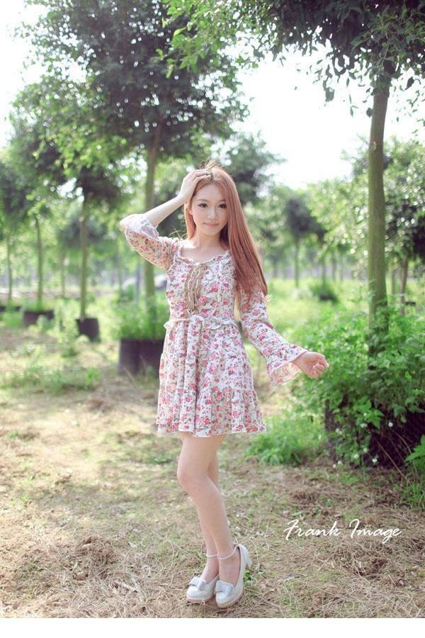 IPX-568佛系少女粉嫩兔子装肌肤白皙性感蕾丝白袜女生照片
