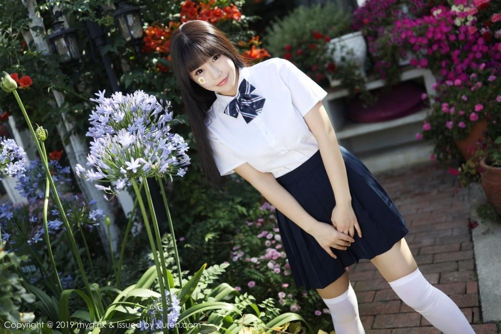 MIMK-082白嫩美女学生妹白丝美腿诱人艺术写真