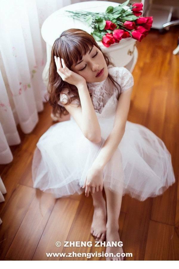 JUL-428双马尾美女可爱小萝莉粉嫩白丝美腿写真图片