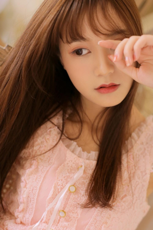 MIDE-859温柔气质长发美女户外白丝美腿养眼素人生活照片