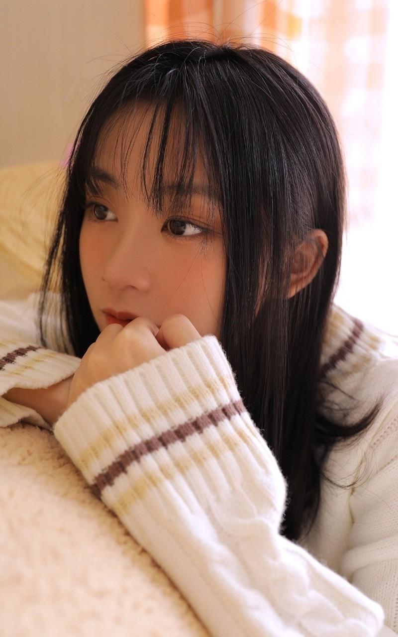 JUL-267日本校花美女学生妹制服诱惑白丝美腿写真图片