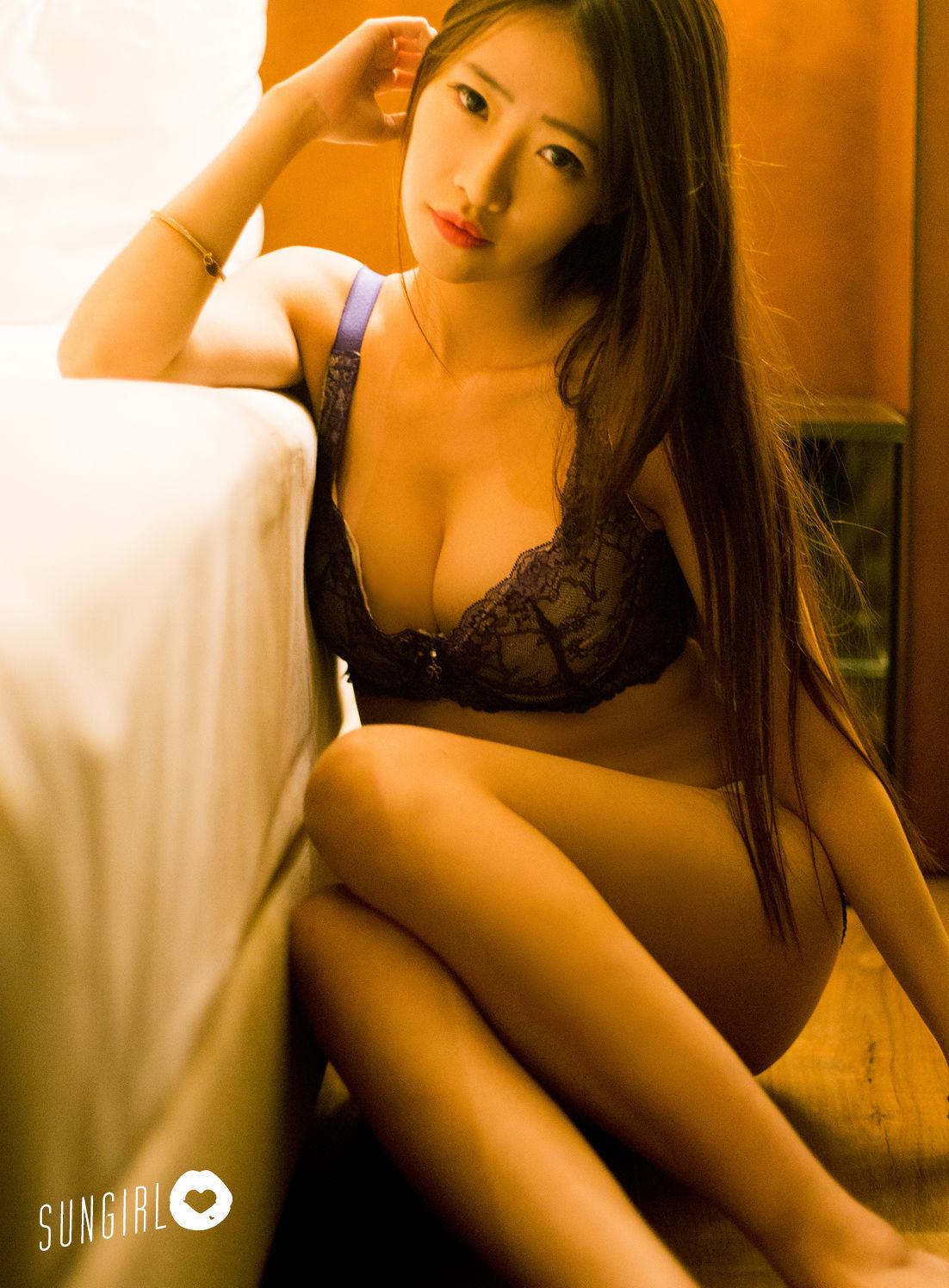 4CJOD-060夜店女王气质慵懒迷人又骚又媚的美女性感写真