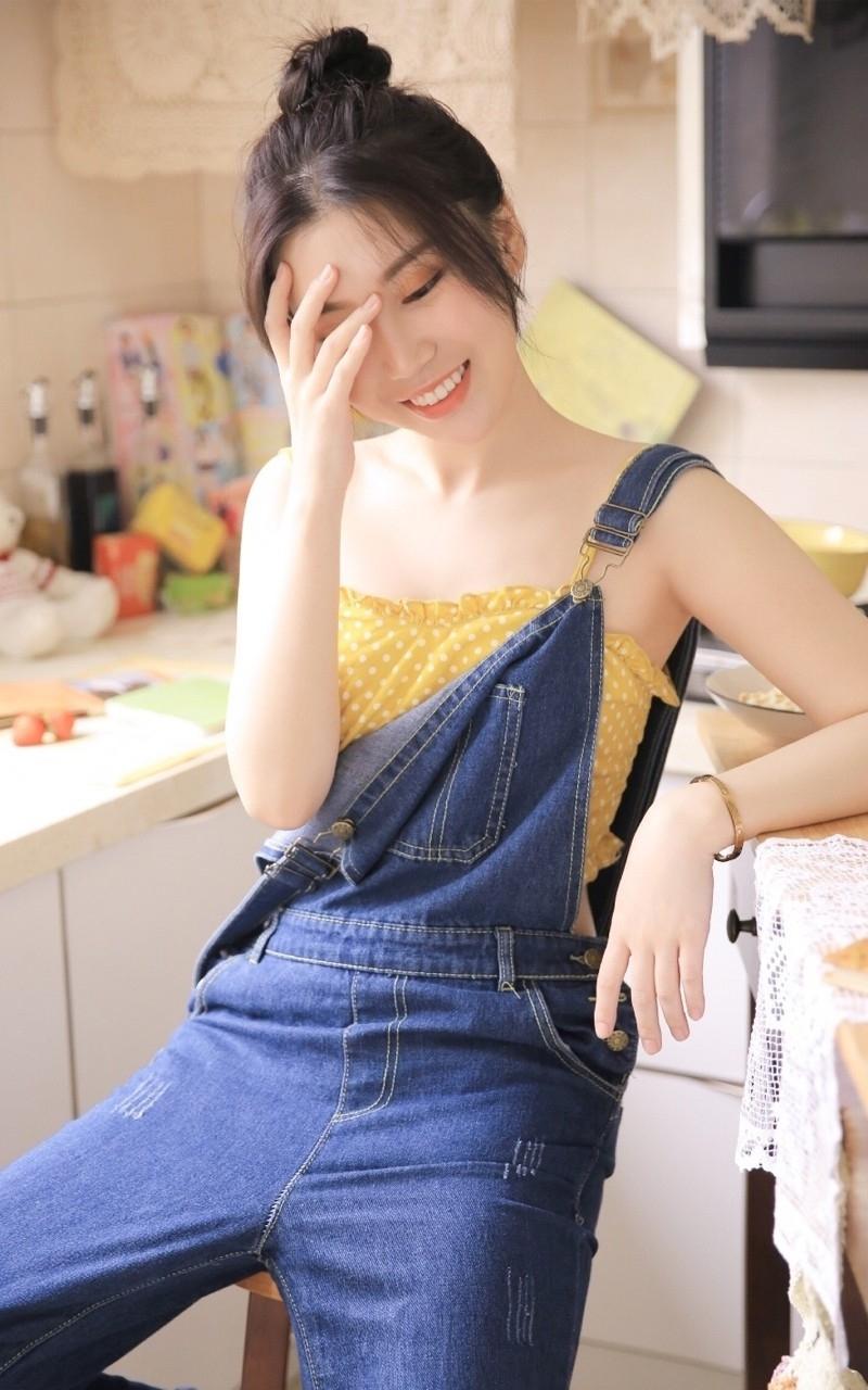 7DDB-284性感旗袍美女黄歆苑情趣黑丝袜高跟美腿诱惑写真
