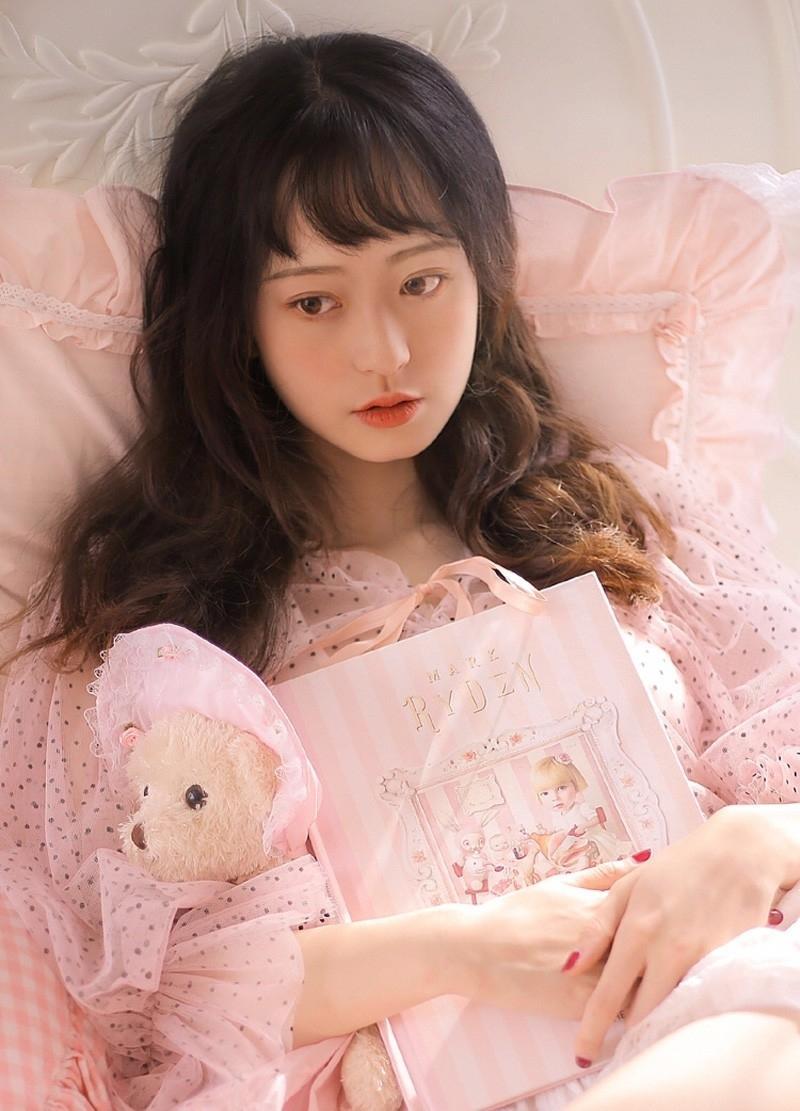7MIGD-503日本女孩雪白的香肩玉腿诱人蜜桃臀高清人体艺术欣赏