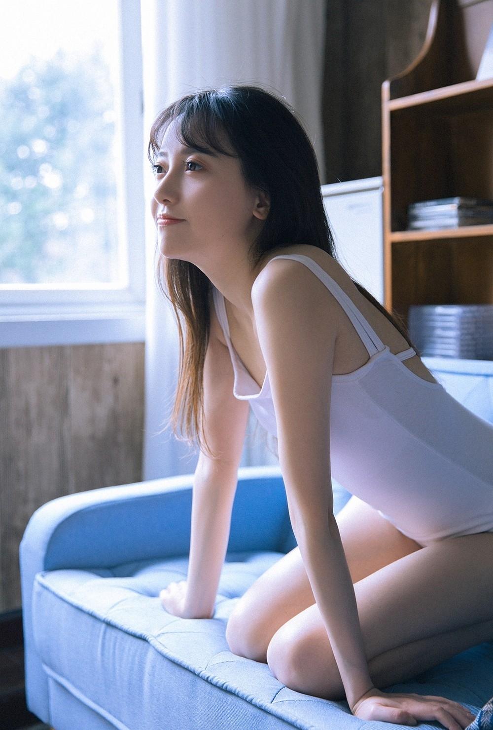4MDY-937性感上班族美女包臀半透明黑丝制服诱惑美腿鉴赏写真