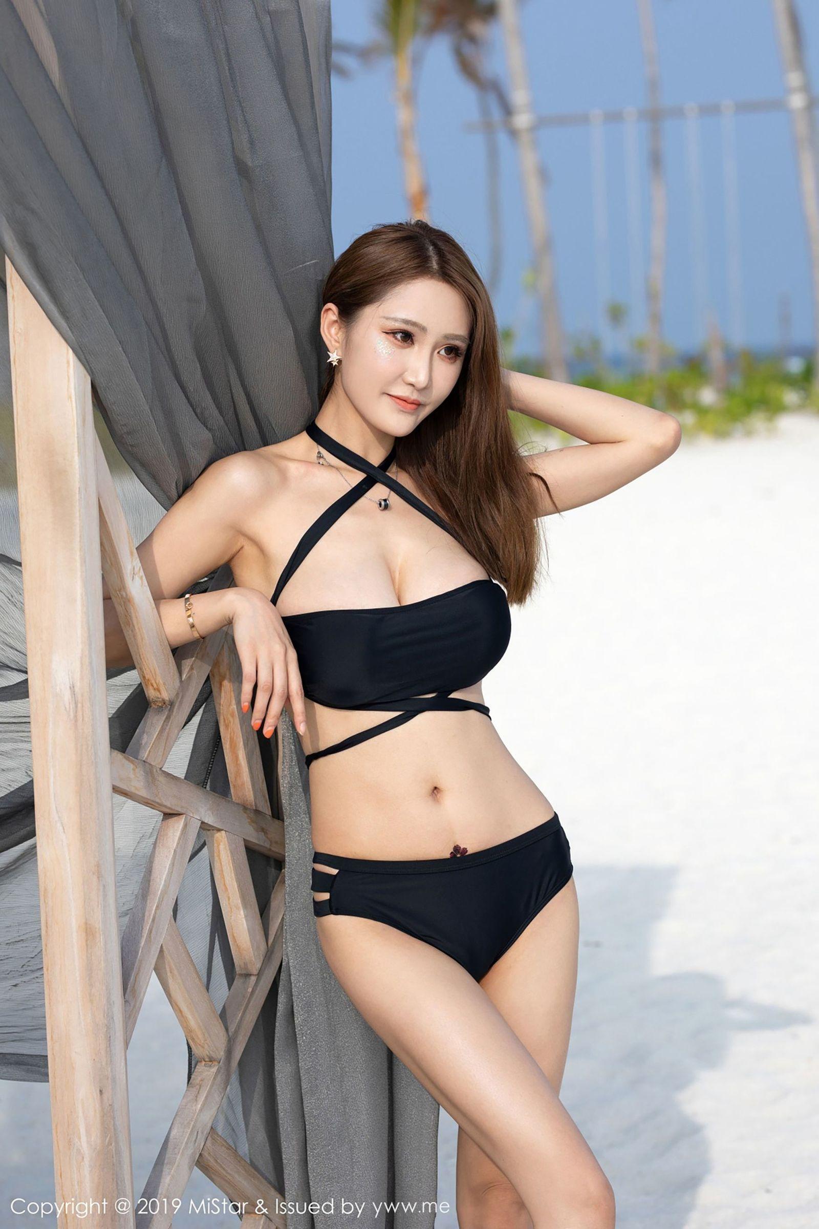 MMY-011校园极品素人美女日式制服室内脱衣黑丝性感养眼写真