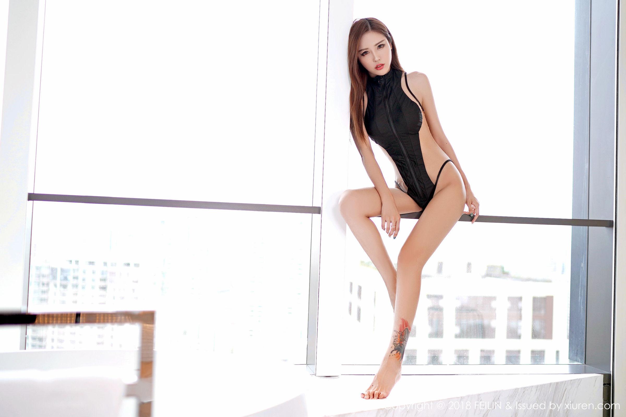 MXGS-804日系清纯养眼少女户外黑丝美腿好看的美女图片
