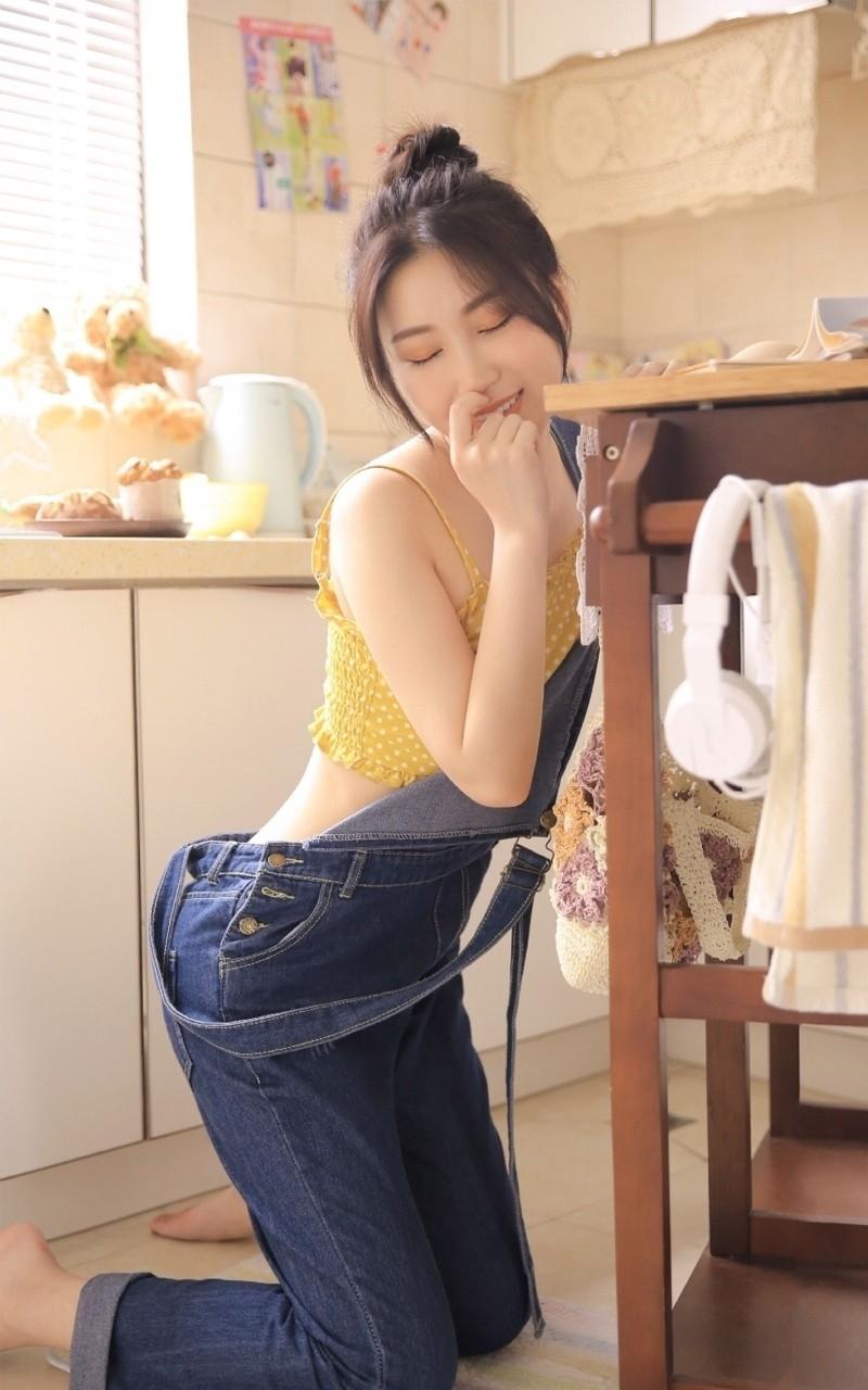 ABP-726短发校园美女未成年床上白丝美腿萝莉性感娇艳写真