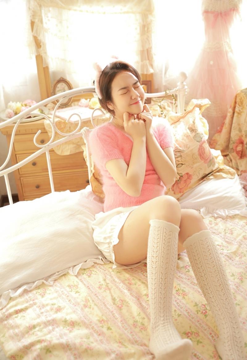 JUC-786校园教室美女萌妹子白丝美腿清纯可爱个人写真