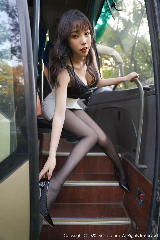 4MUK-398纤细身材气质美女黑丝超短写真