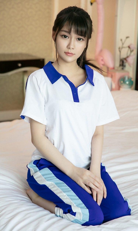 MIFD-036超短裙制服美女肉色丝袜美腿 大秀丝袜诱惑妩媚写真