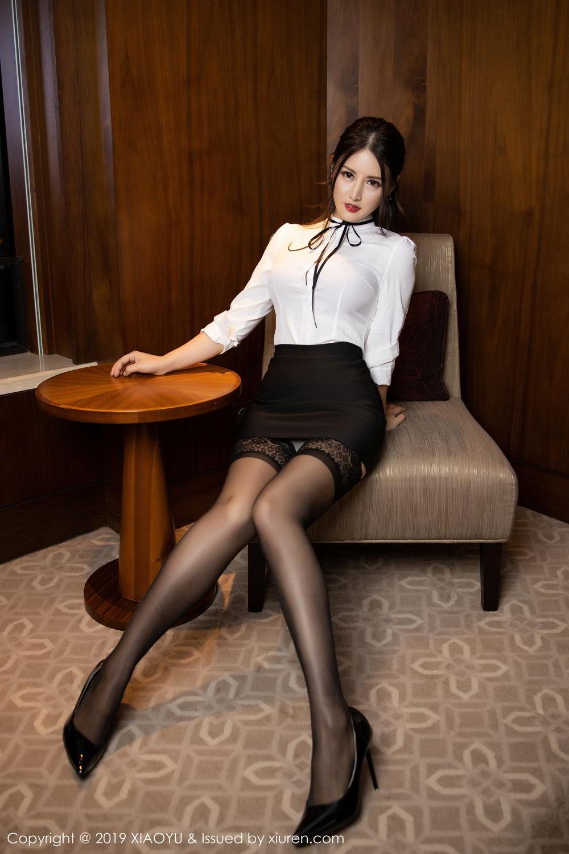 HXAD-037性感轻熟女黑丝包臀裙曲线迷人