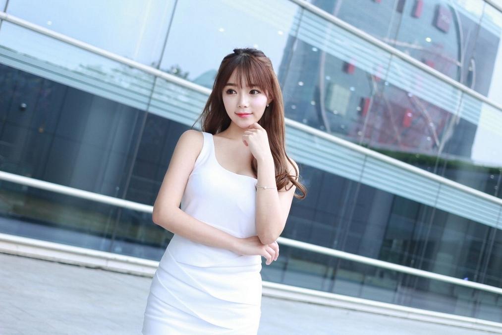 4SNIS-819韩国气质卷发美女黑丝职业装写真