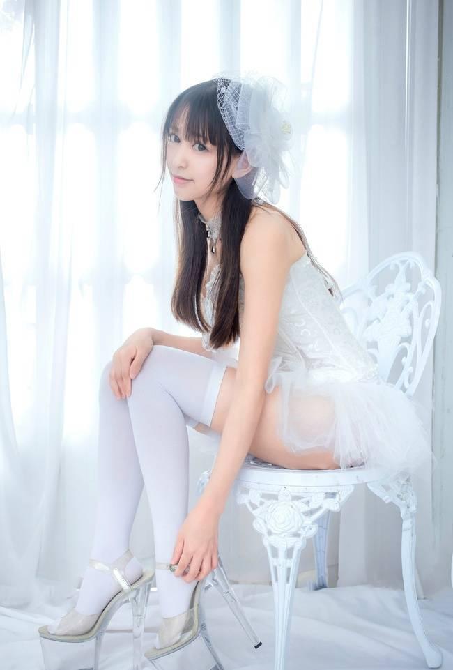 2CESD-260古典美女修身美腿丝袜裸足直勾人性感写真