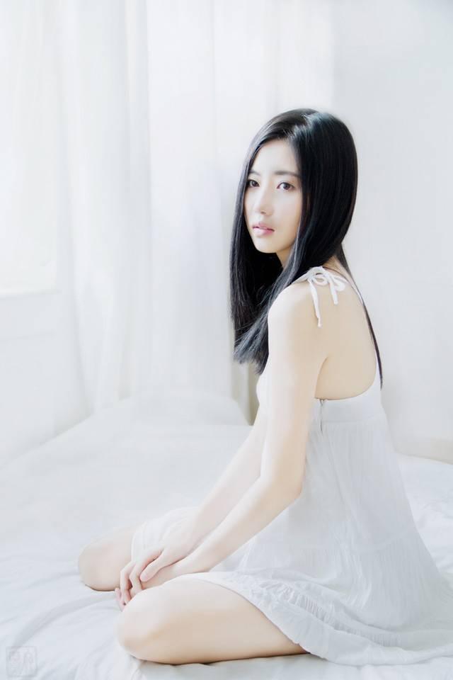 ABS-174丝袜美女图片上演制服丝袜诱惑