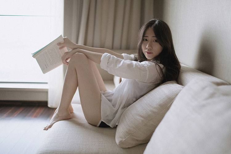 MIGD-519清纯甜美丝袜美女图片 展傲人双峰曲线