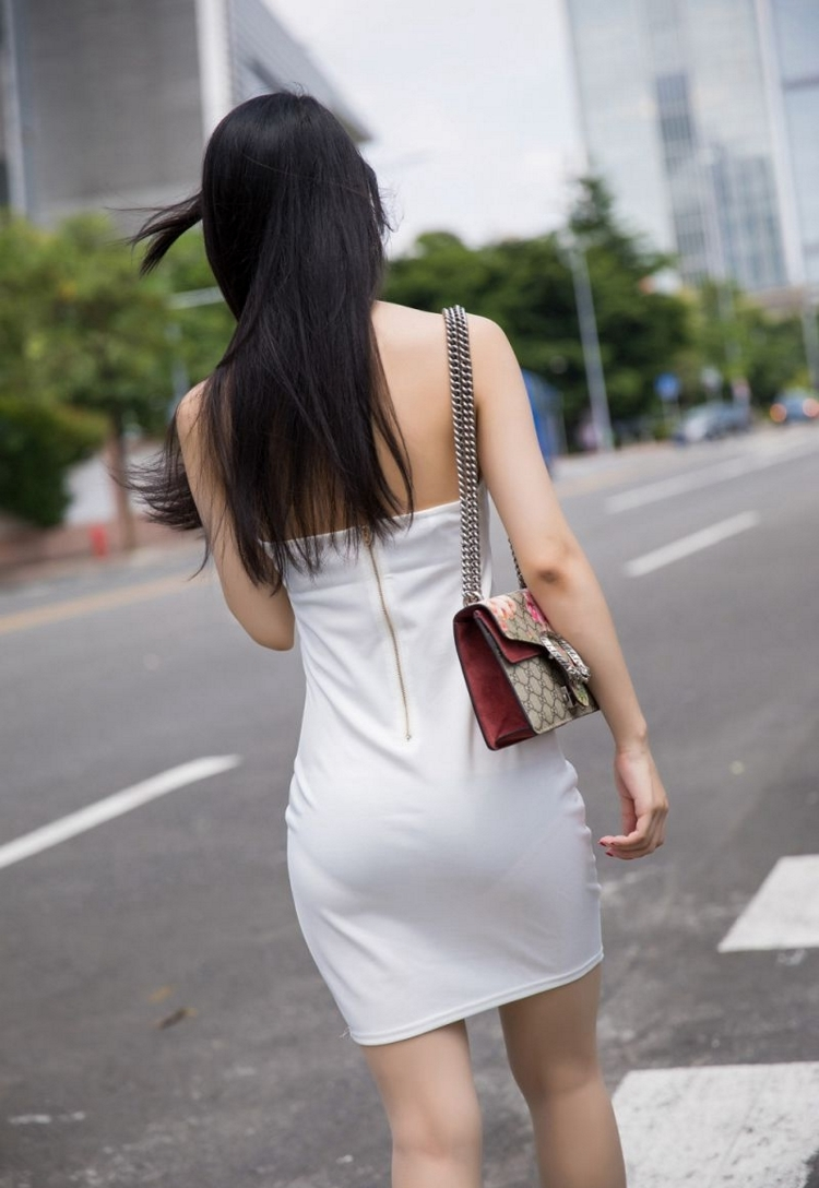 MDS-875高颜值女孩肤若凝脂勾人写真