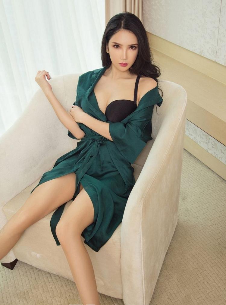 IPZ-576高挑美女御姐小蛮腰大长腿写真