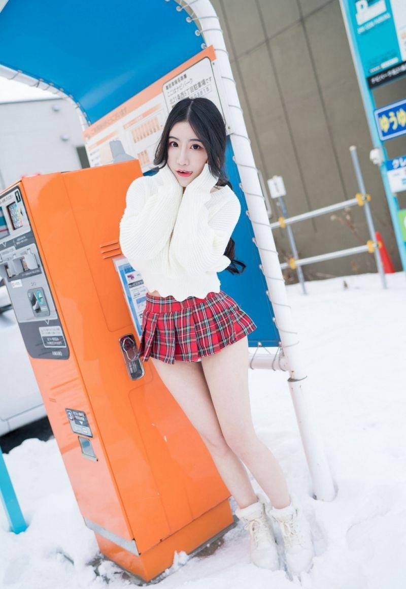 4MEYD-239娇养小姑娘顾盼生姿明媚动人写真