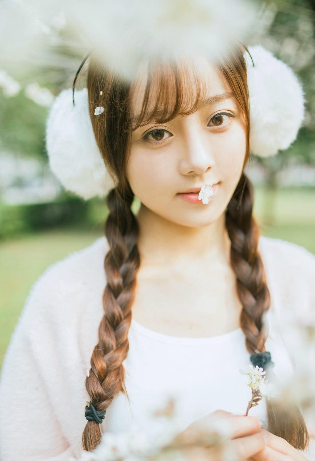 MVSD-298漂亮小姐姐户外青春活力美女照片