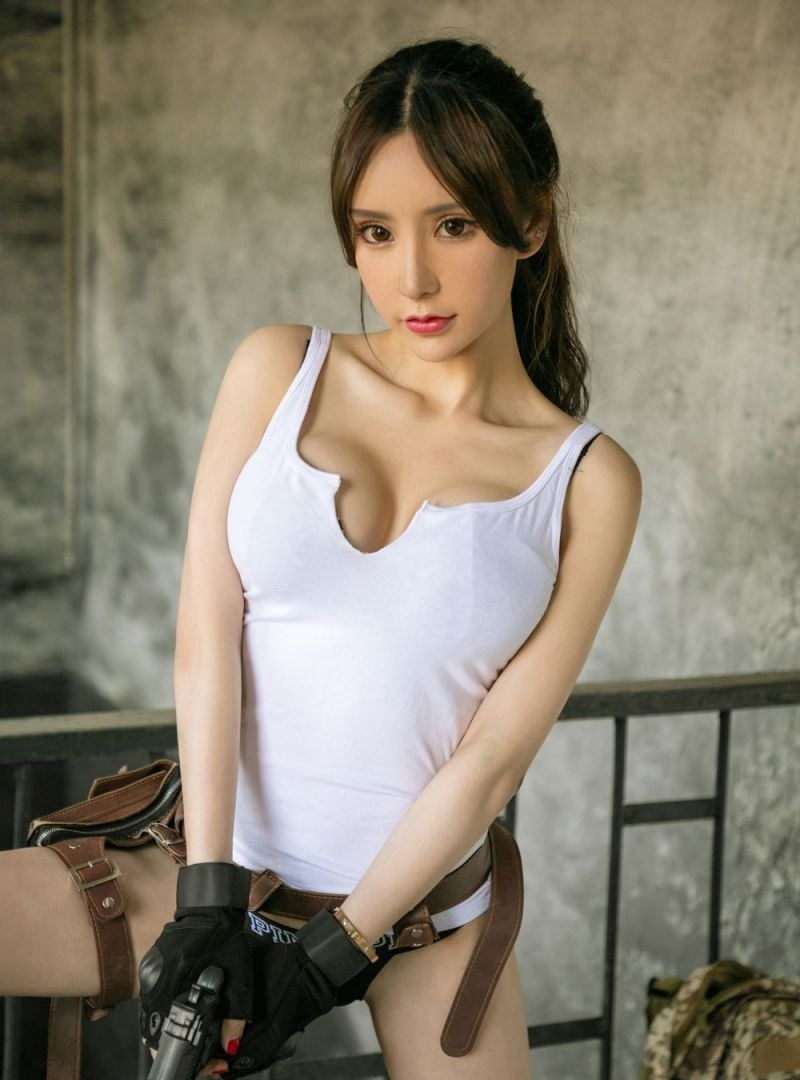 BRA-005吊带白裙美女黑长直发私房写真