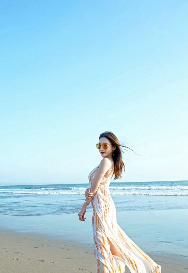 MXGR-378越南美女身材丰满健康火辣比基尼高清美女肉体摄影