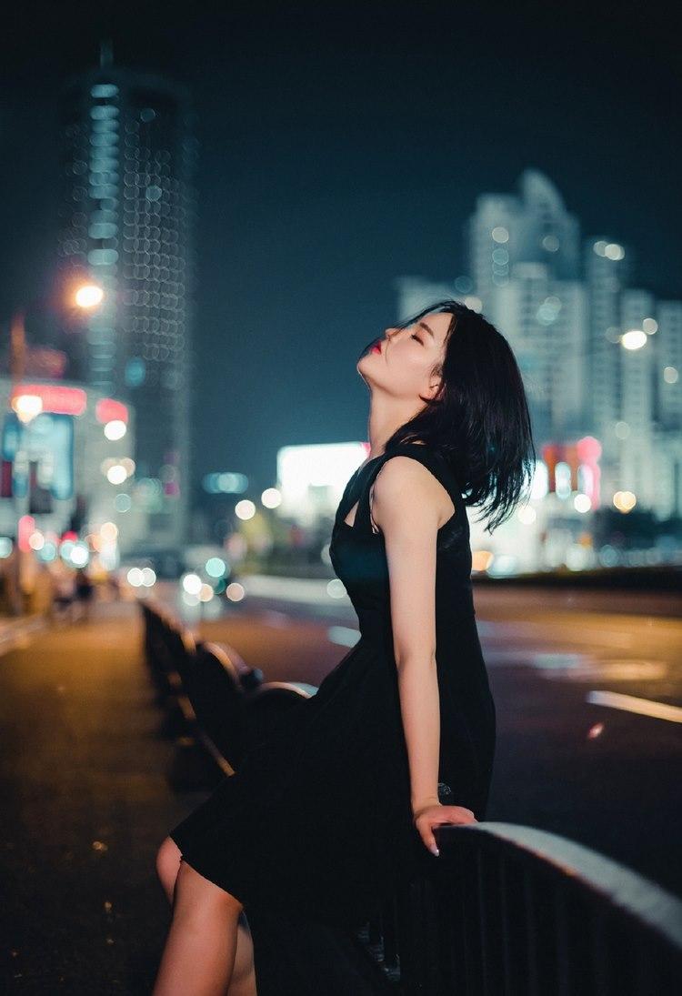 JUY-140极品美女白皙小蛮腰风情诱惑写真