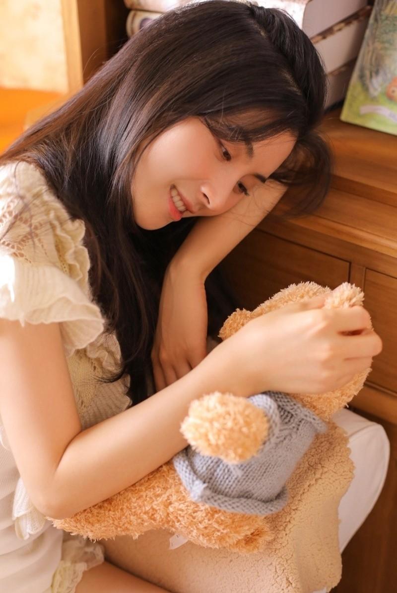 5MID-598极品尤物美女火辣长腿翘臀吊带蕾丝内衣性感诱惑写真