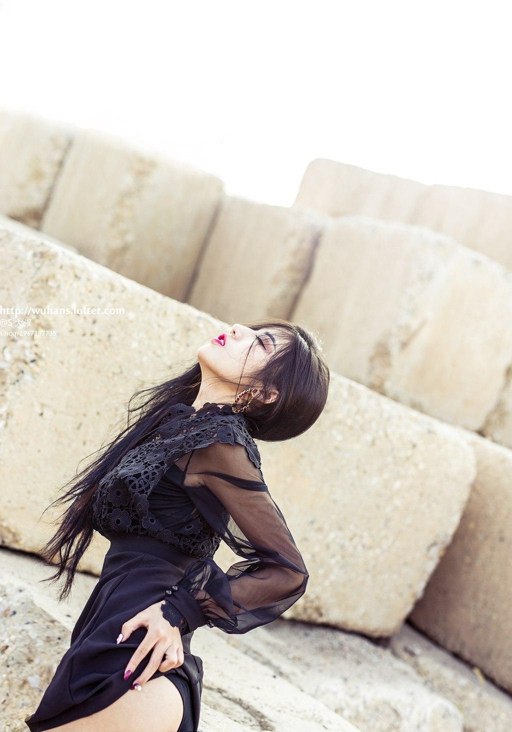 DV1-475诱人美女吊带红裙妩媚风情写真