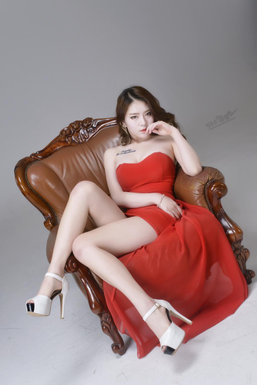 5PG-365长腿气质佳人香肩雪白撩人美女图