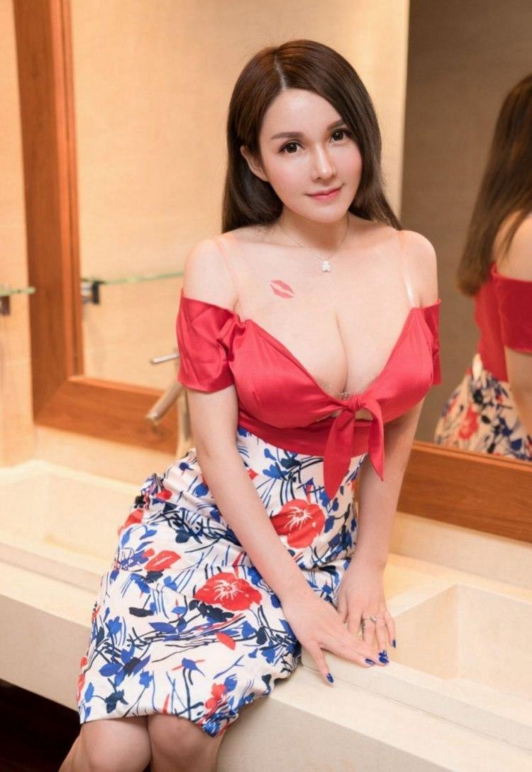 AZRD254高冷美艳的纹身美女玲珑有致的好身段迷人艺术照