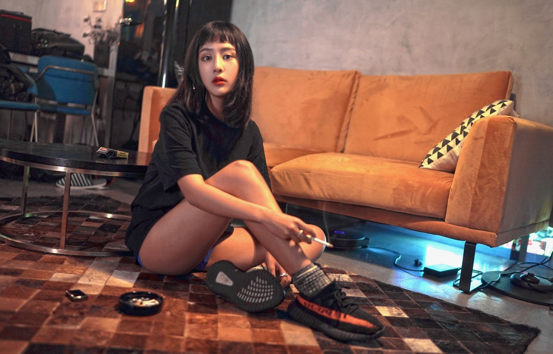 4WANZ-317性感美女Carry紧身包臀裙性感高跟鞋美腿翘臀诱人的身材