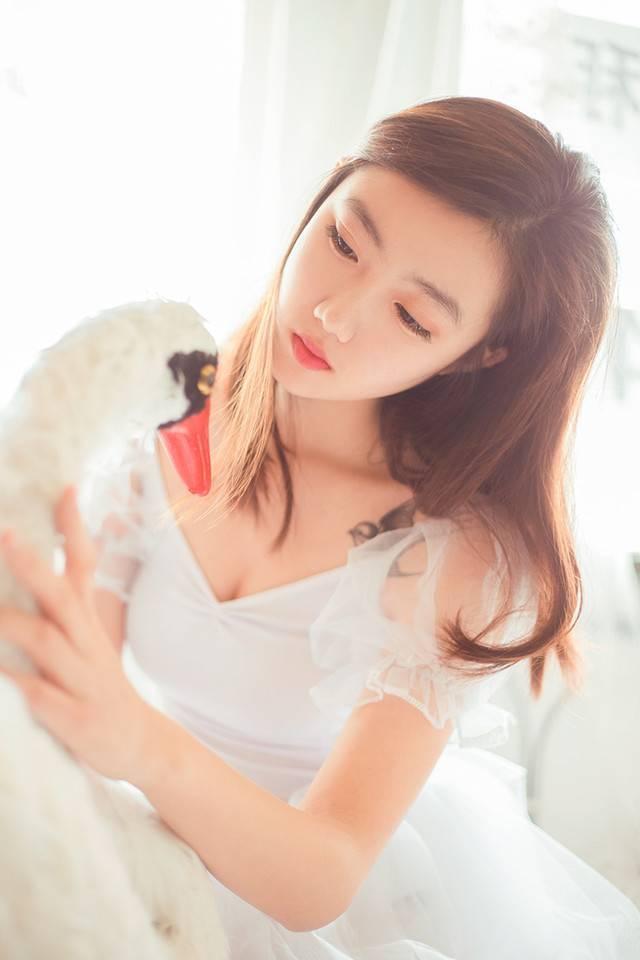 JUX-759风骚迷人美女萝莉粉嫩天然诱惑性感邻家女孩写真