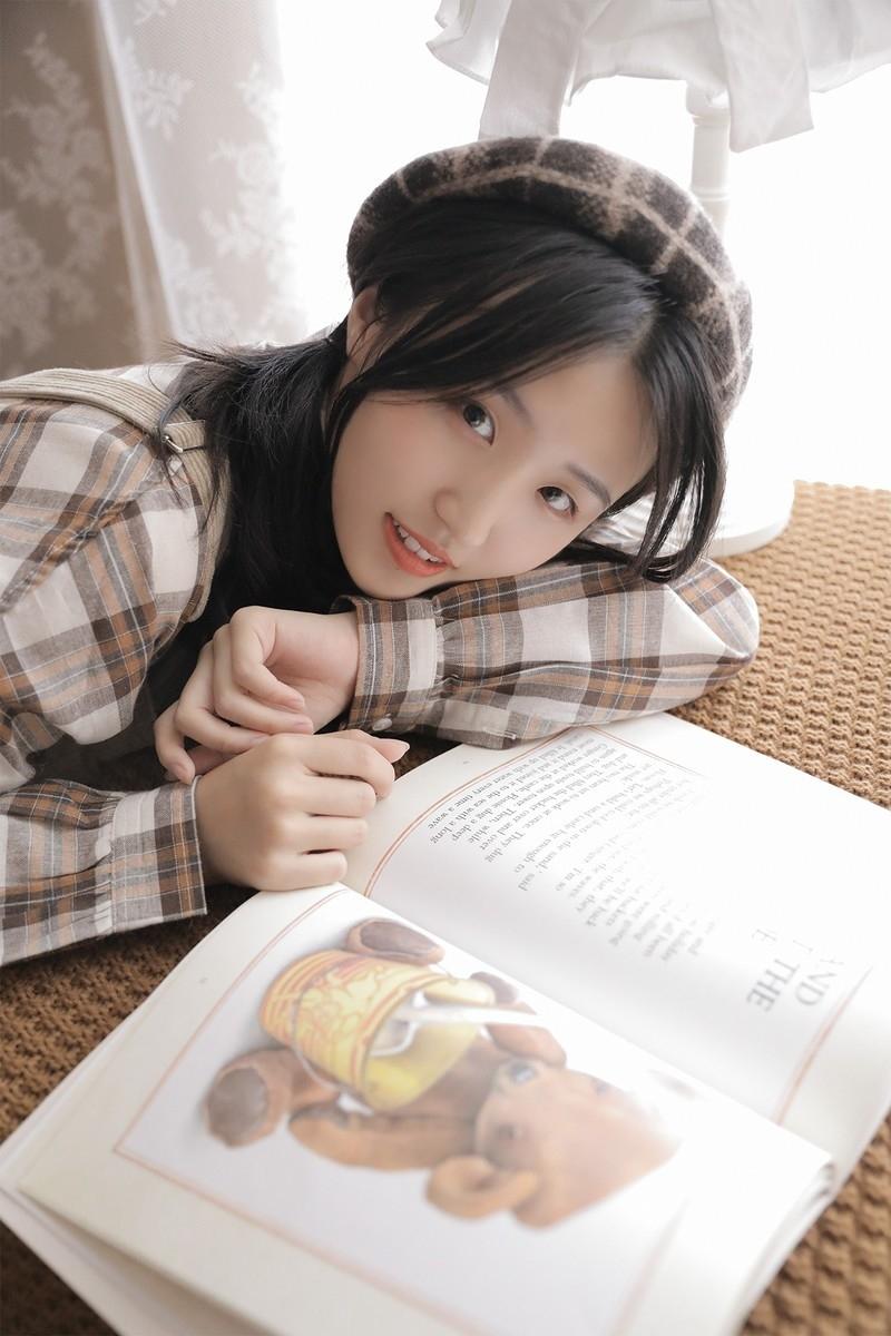 7SUPD-094长发美女居家美腿自然风骚性感韩国模特娇艳图片