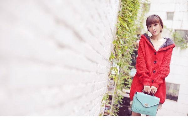 4SHK-661娃娃脸可爱美女模特娇俏可人性感恋男乱女图片