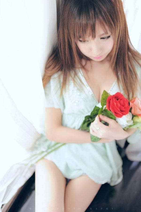KWBD-251少妇的寂寞酥胸半露挤奶性感网袜情趣内衣美女色色写真图片
