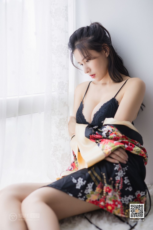 MIDE-388小蛮腰好身材御姐美女模特居家私房性感风情诱惑图片