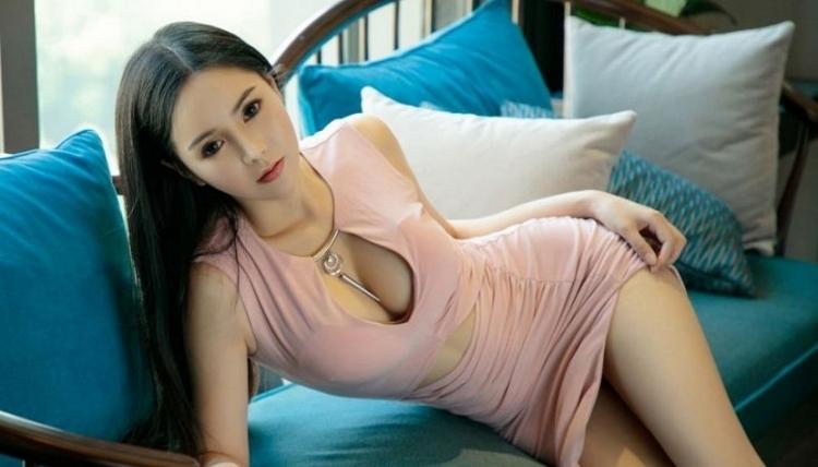 ATKD-256诱人美人张恬恬h罩杯大奶三角后翘臀搔首弄姿女性私身体