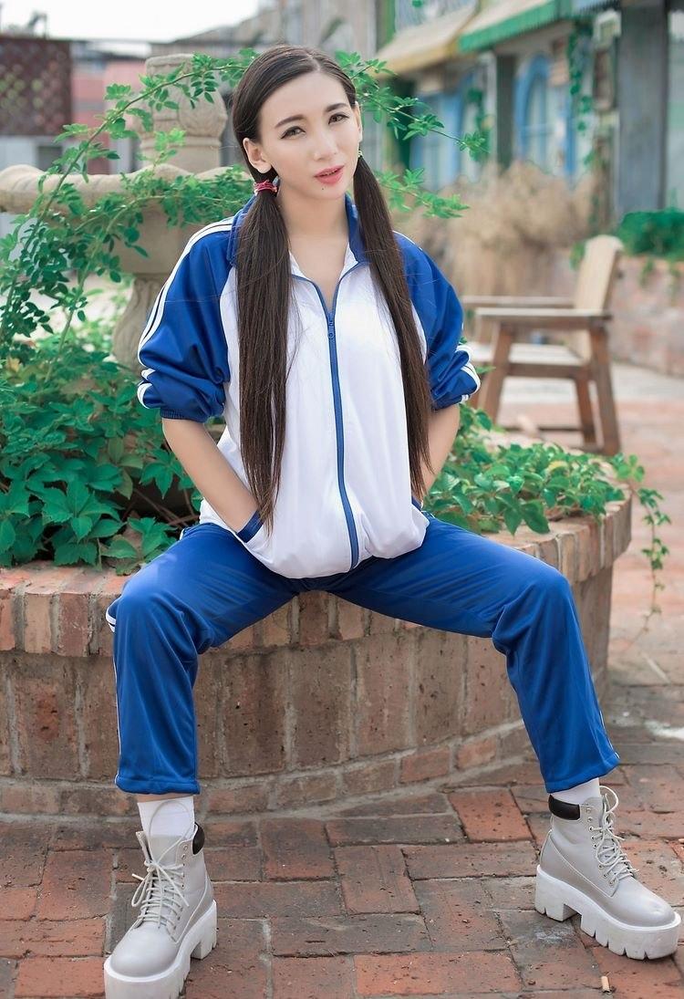 5IPT-502性感牛仔裤美女杨晨晨36d深沟美乳极品翘臀写真