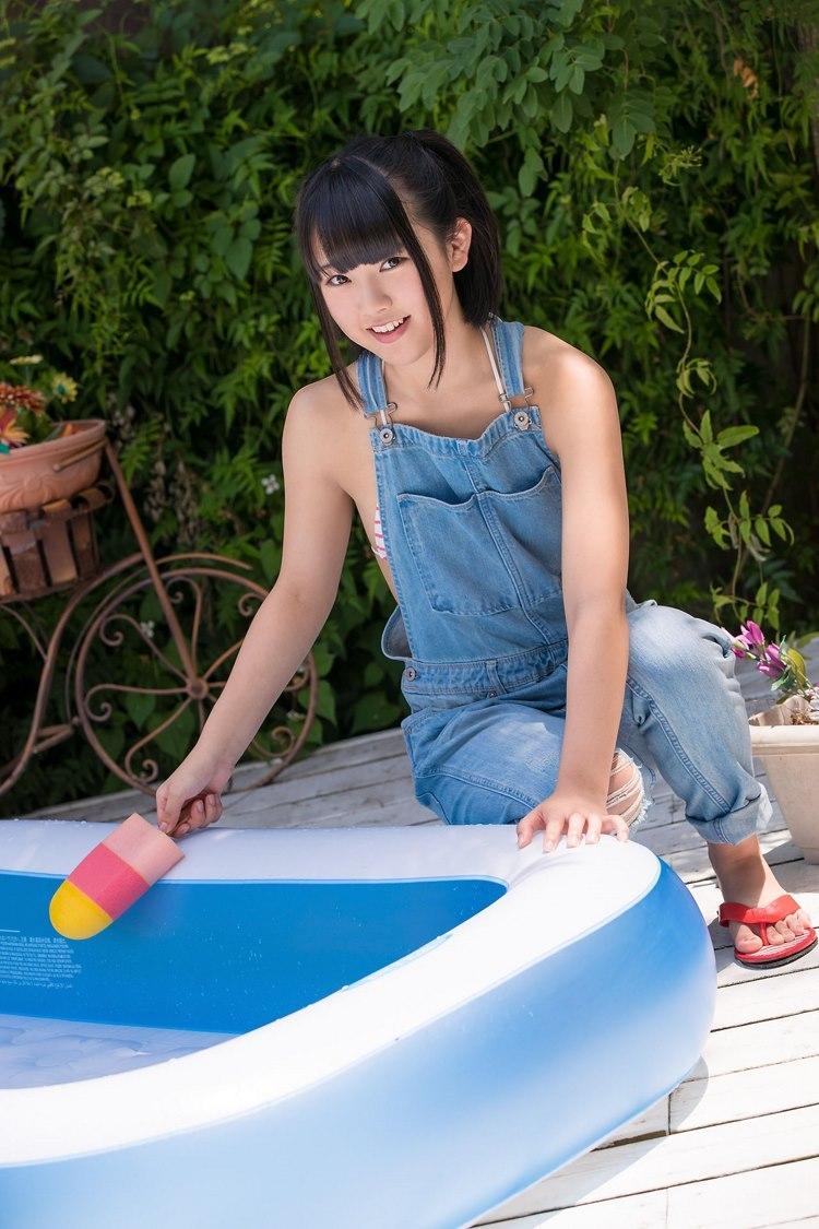 MXGR-310性感丁字裤走光美女穆菲菲深沟巨乳张腿展私阴写真