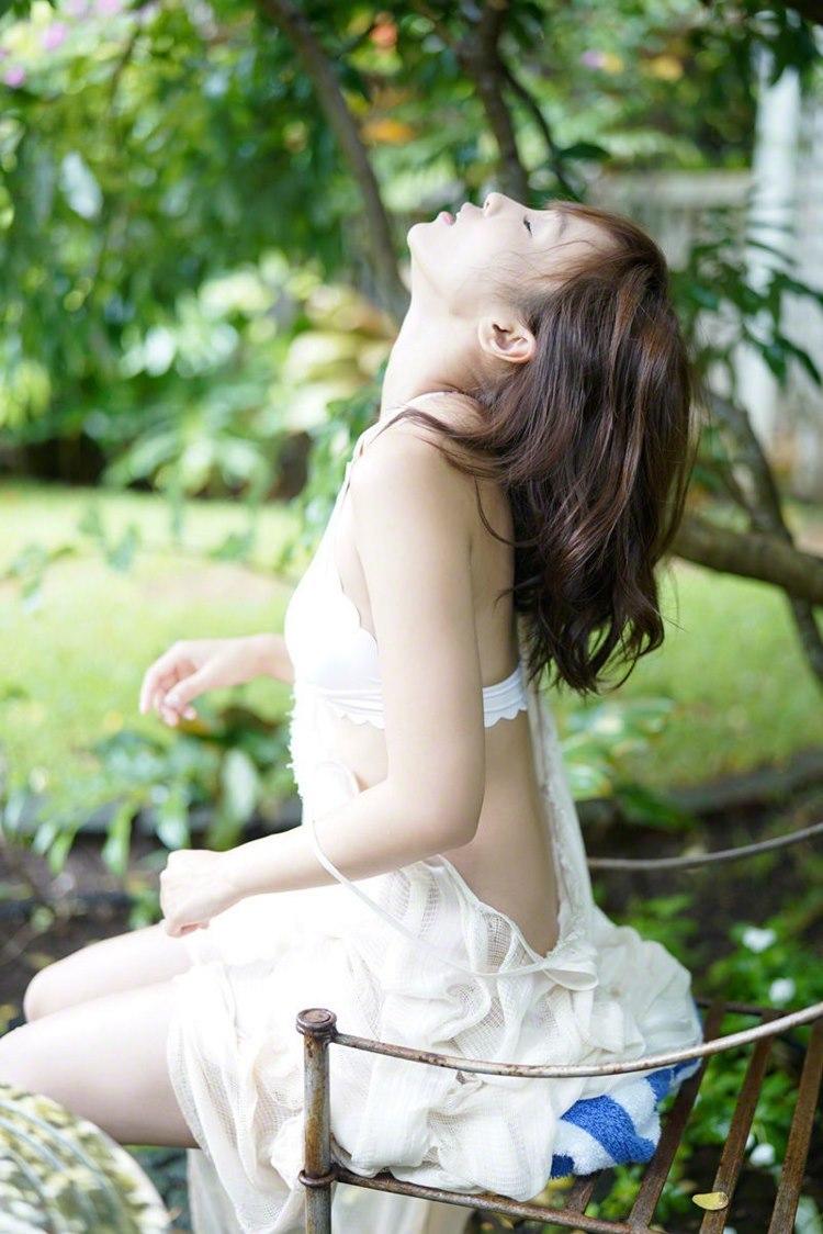 DMBK-047紧身牛仔裤翘臀美女性感胸罩丰满大乳房诱惑写真