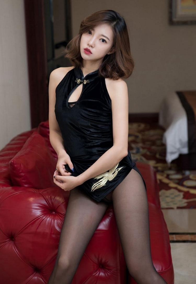 4MIG-663性感翘臀美女李童童真空豪乳湿身诱惑极品美腿写真
