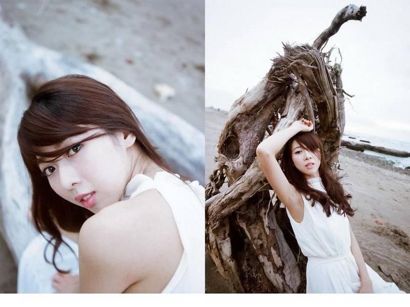 BDSR-204热辣宅男女神齐逼热裤摆弄骚姿性感写真图片