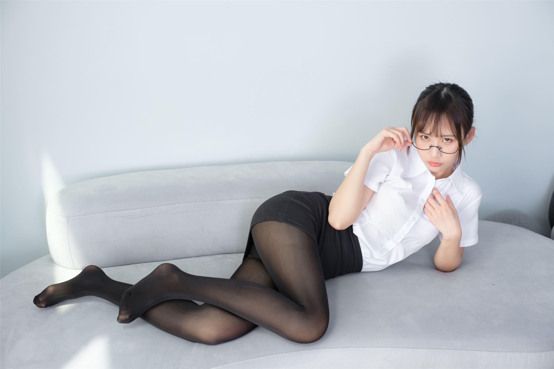 ABP-390白色蕾丝睡衣美女真空豪乳